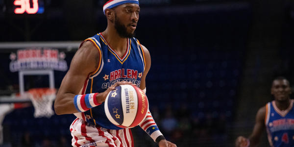 Harlem Globetrotters play basketball in 2020